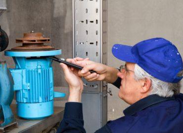 Pump repair expert replacing mechanical seal in the pump